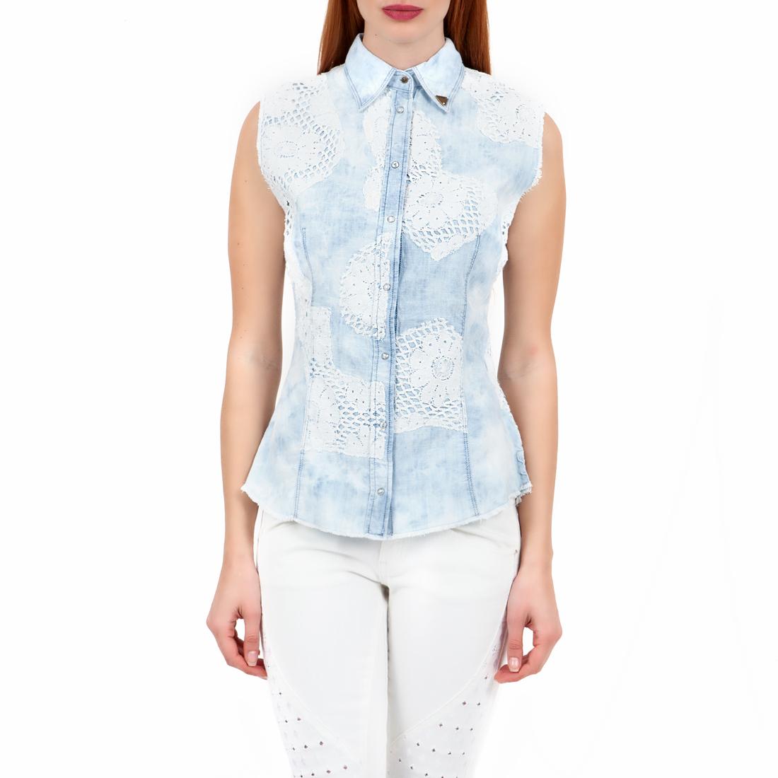 GUESS - Γυναικείο πουκάμισο GUESS μπλε-λευκό γυναικεία ρούχα πουκάμισα κοντομάνικα αμάνικα