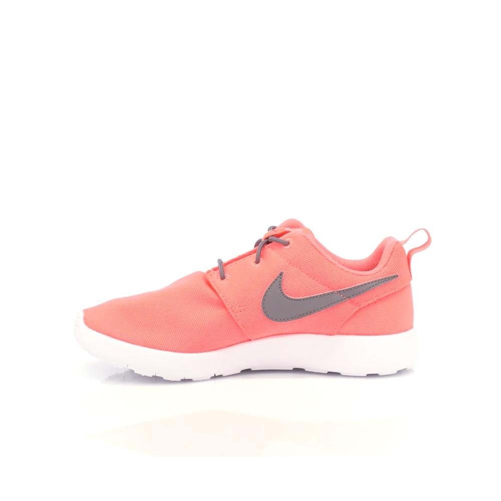 NIKE – Παιδικά αθλητικά παπούτσια NIKE ROSHE ONE (PS) κοραλί-γκρι