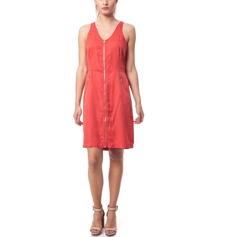 CALVIN KLEIN JEANS - Γυναικείο φόρεμα Calvin Klein Jeans κοραλί-κόκκινο γυναικεία ρούχα φορέματα μίνι