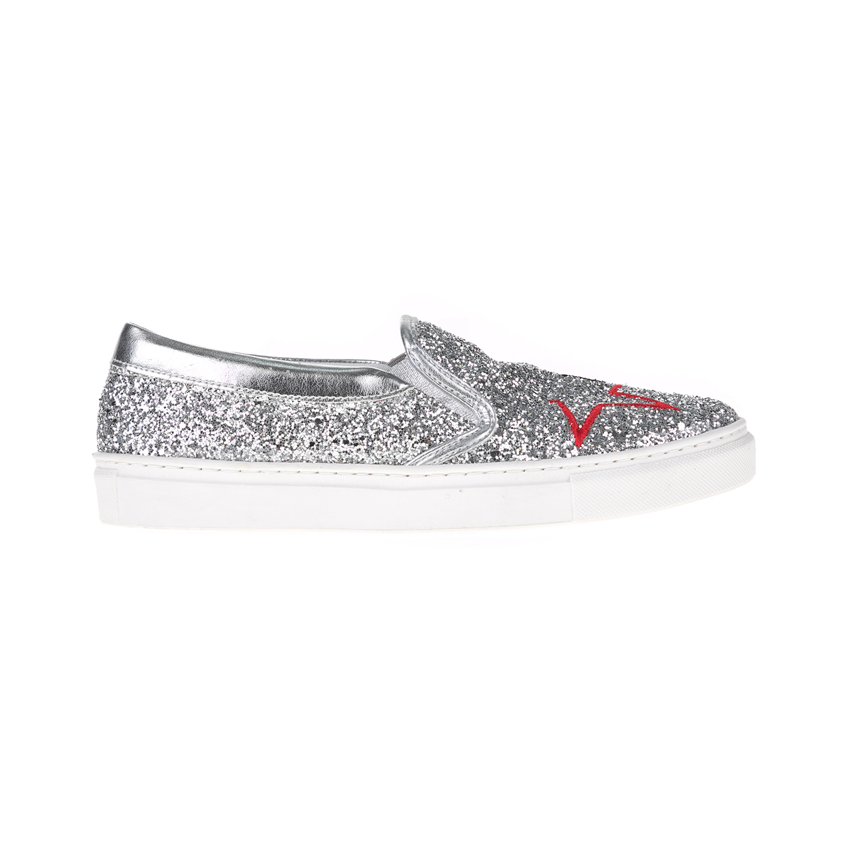 GUESS - Γυναικεία slip on GRETA GUESS ασημί γυναικεία παπούτσια μοκασίνια μπαλαρίνες μοκασίνια