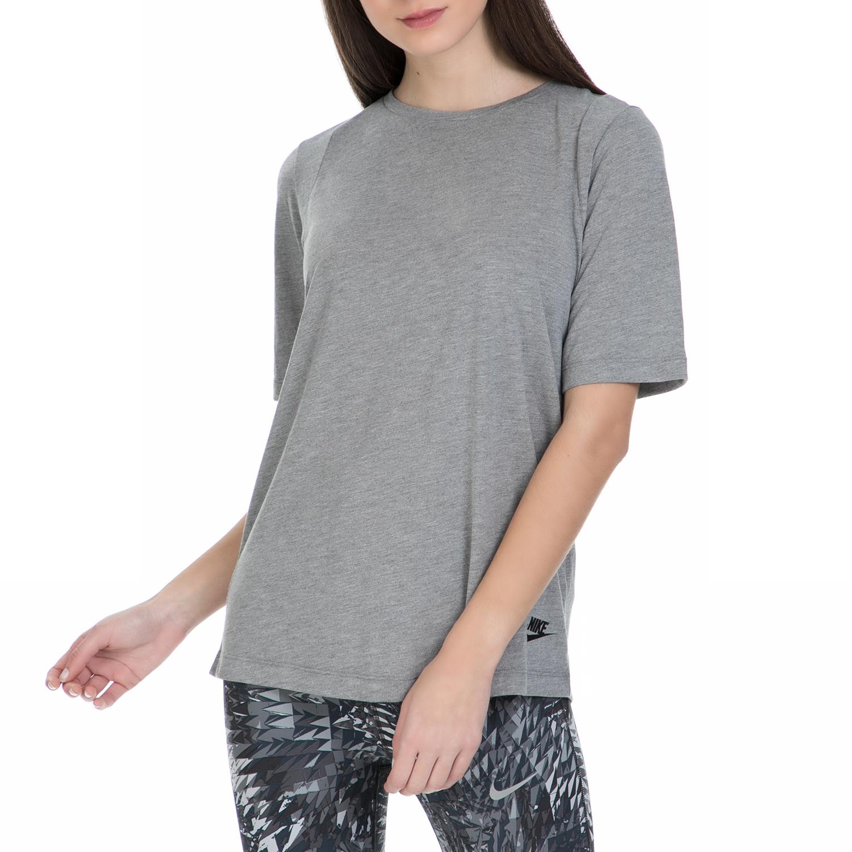60a211b7cd NIKE - Γυναικεία κοντομάνικη μπλούζα Nike σε γκρι