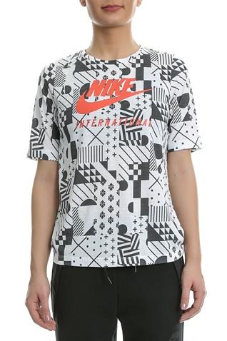 Γυναικεία κοντομάνικη μπλούζα Nike λευκή - μαύρη (1515530.1-9171 ... 60a104cec9a