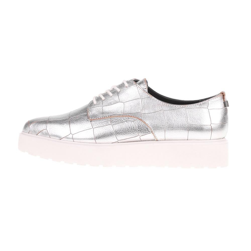 CALVIN KLEIN JEANS – Γυναικεία παπούτσια CALVIN KLEIN JEANS VICTORINA ασημί