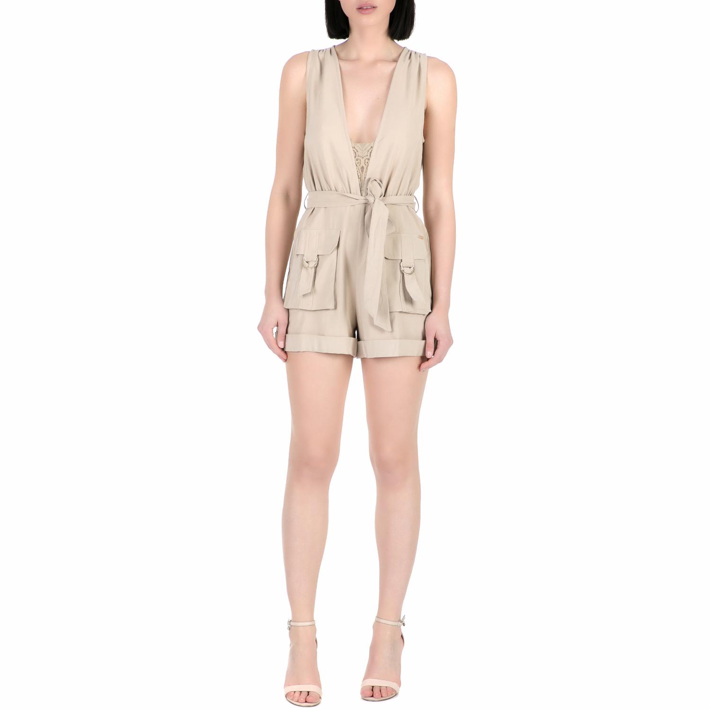 GUESS - Γυναικείο ολόσωμο σορτς Guess ILIA FLUID DRAPY μπεζ γυναικεία ρούχα ολόσωμες φόρμες
