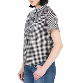 2886928843 GUESS. Γυναικείο κοντομάνικο πουκάμισο GUESS με καρό μοτίβο