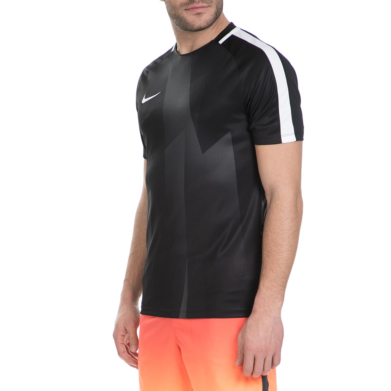 a30c065857ce NIKE - Κοντομάνικη μπλούζα Nike μαύρη-λευκή