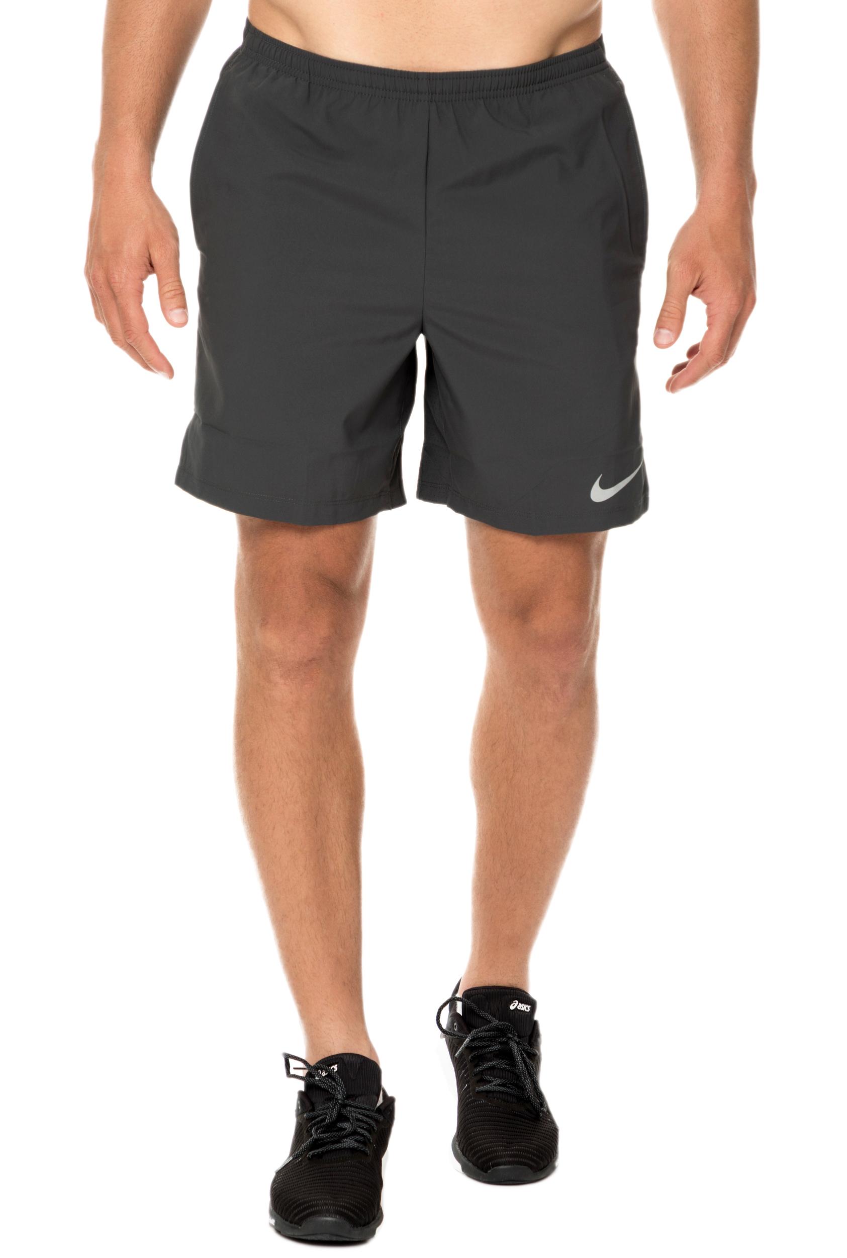 NIKE - Ανδρικό σορτς για τρέξιμο NΙKΕ FLΕX CHΑLLΕΝGΕR 7IN ανθρακί ανδρικά ρούχα σορτς βερμούδες casual jean