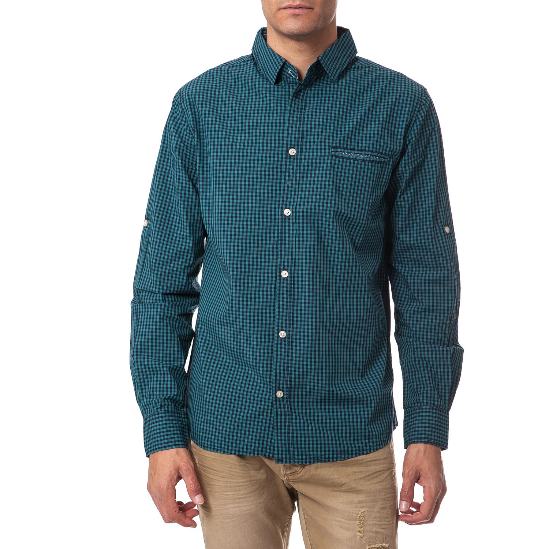 8b134c752843 Βαμβακερό καρό πουκάμισο με μακριά μανίκια στις αποχρώσεις του πράσινου και  τσέπη στο μπροστινό μέρος. FUNKY BUDDHA – Ανδρικό πουκάμισο Funky Buddha  πράσινο