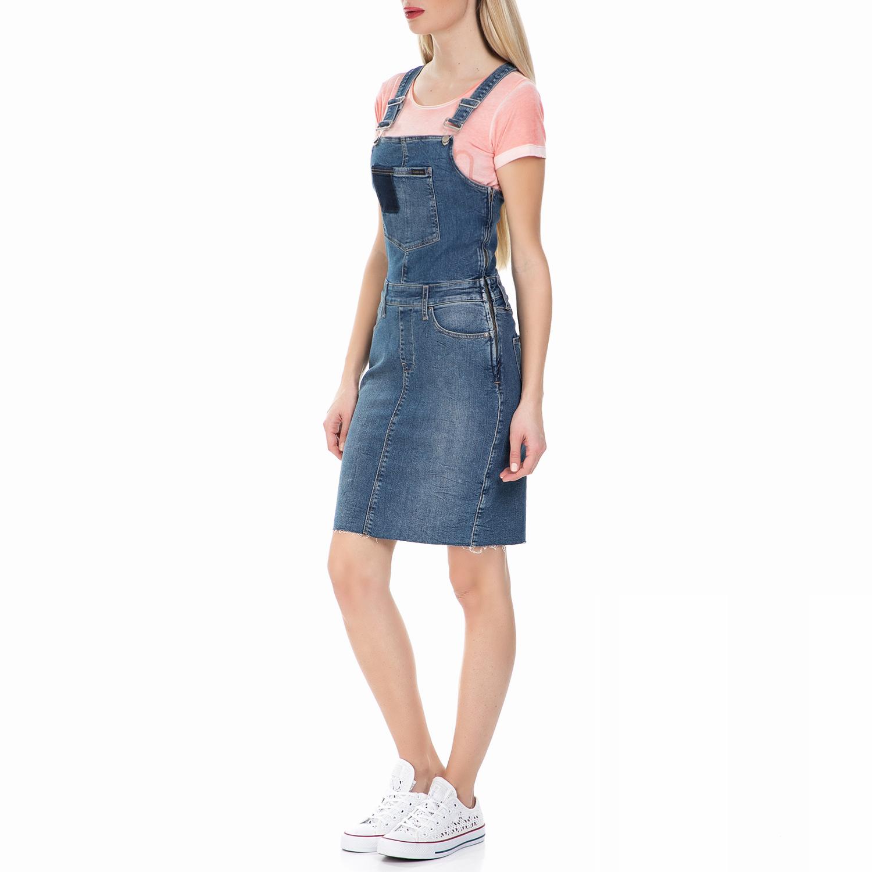deaf8fbdd2d9 CALVIN KLEIN JEANS - Γυναικείο τζιν φόρεμα σαλοπέτα Calvin Klein Jeans μπλε