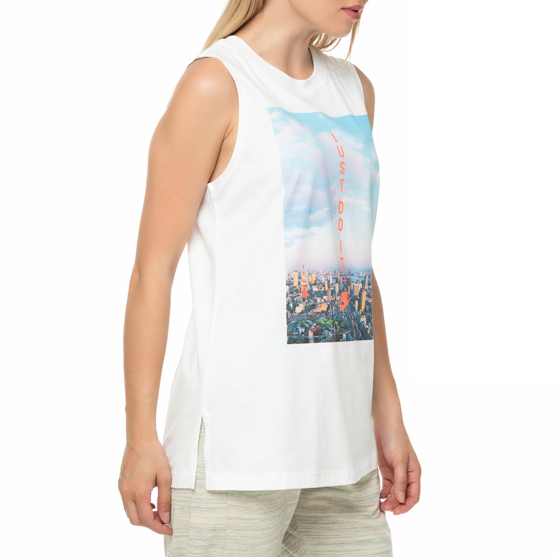0be0277c8d12 NIKE - Γυναικεία αμάνικη μπλούζα NIKE λευκή με στάμπα