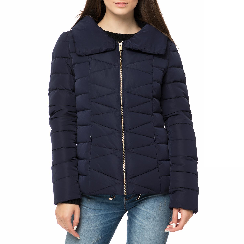GUESS - Γυναικείο φουσκωτό μπουφάν GUESS ALYSSA DOWN σκούρο μπλε γυναικεία ρούχα πανωφόρια μπουφάν