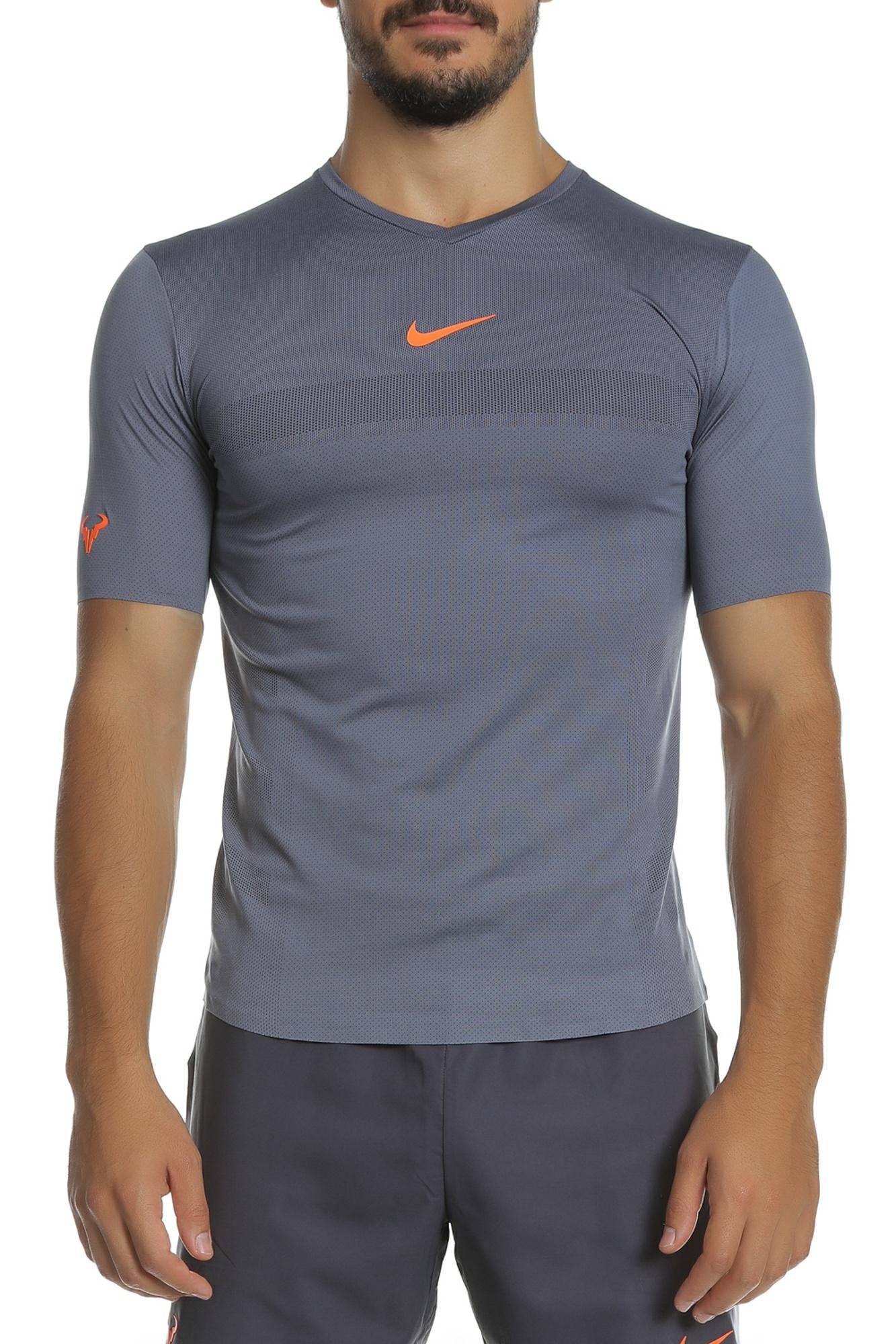 8017dd94b1cb NIKE - Ανδρική κοντομάνικη μπλούζα Nike Court AeroReact Rafa ανθρακί