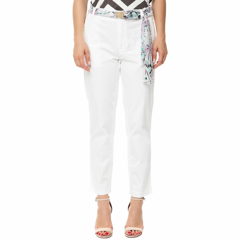 GUESS - Γυναικείο παντελόνι chino GUESS CANDIS λευκό με φλοράλ ζώνη γυναικεία ρούχα παντελόνια chinos