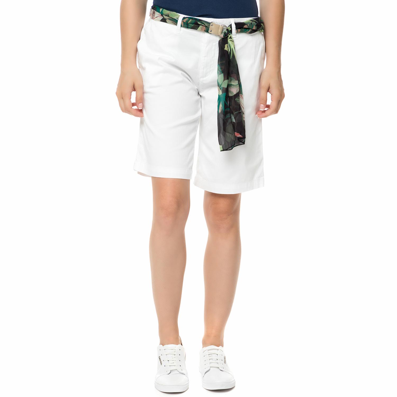 GUESS - Γυναικεία βερμούδα chino Γυναικεία βερμούδα chino GLADYS λευκή με ζώνη γυναικεία ρούχα σορτς βερμούδες casual jean