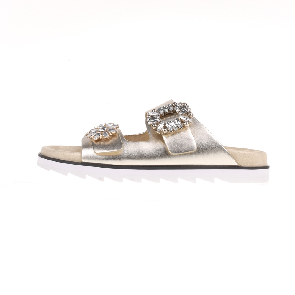 GUESS - Γυναικεία slides CAMBRIE GUESS χρυσά γυναικεία παπούτσια σαγιονάρες slides casual