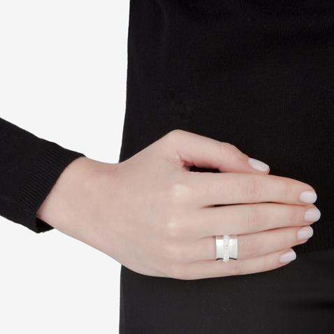 FOLLI FOLLIE-Γυναικείο επάργυρο φαρδύ δαχτυλίδι με κρυστάλλινες πέτρες DAZZLING ασημί