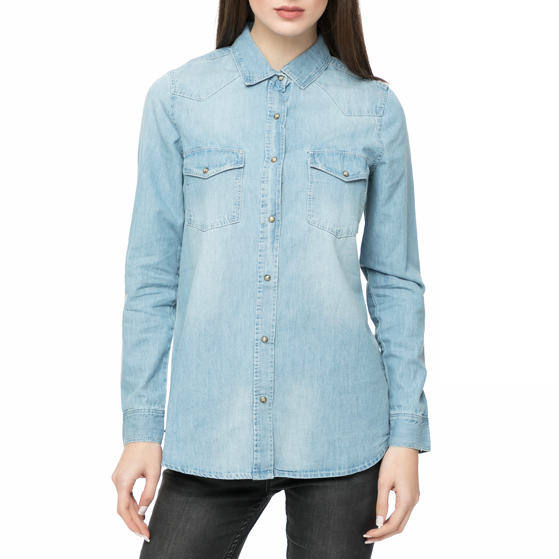 529370bbfd51 FUNKY BUDDHA – Γυναικείο ντένιμ πουκάμισο FUNKY BUDDHA γαλάζιο