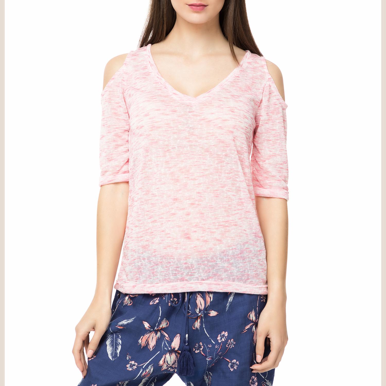 ade291174b07 FOUR ANGELS - Γυναικείο t-shirt TYE DYE FOUR ANGELS ροζ με ανοιχτούς ώμους