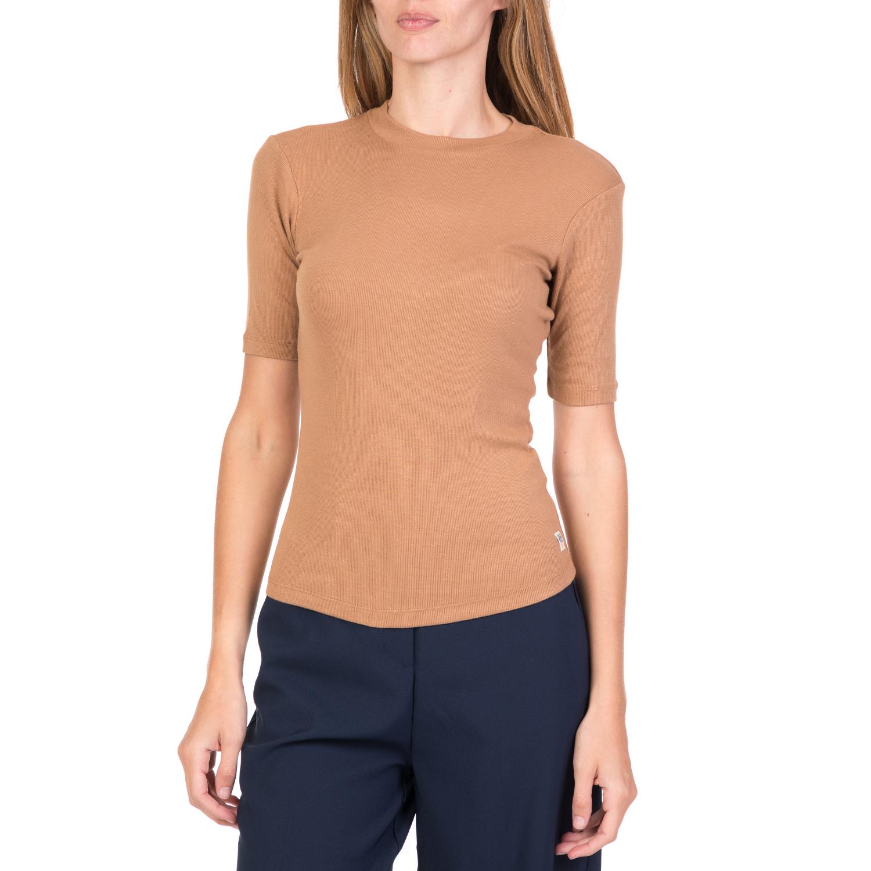 d5c89122b7c9 FUNKY BUDDHA – Γυναικείο κοντομάνικο top με άνοιγμα FUNKY BUDDHA μπεζ. Factory  Outlet