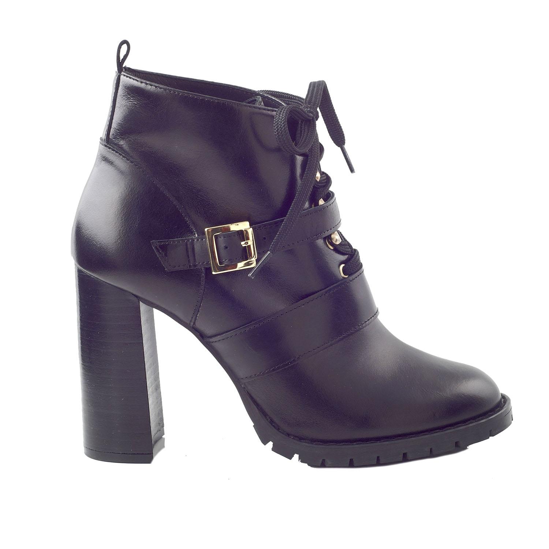 Factoryoutlet CHANIOTAKIS – Γυναικεία ankle μποτάκια CHANIOTAKIS SIERRA  34660 μαύρα 977a650c42d