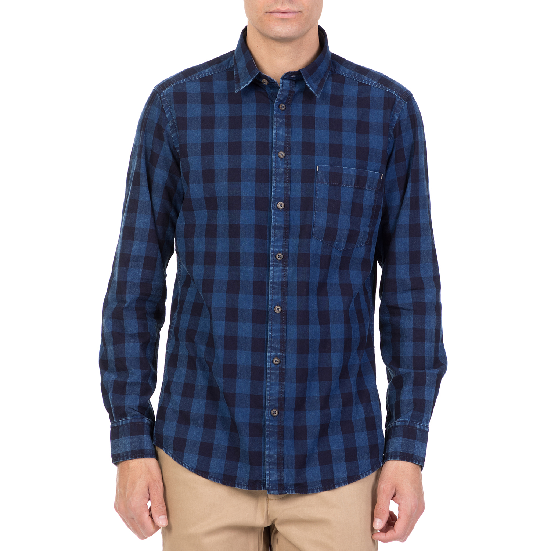 9ec557e83e29 HAMPTONS - Ανδρικό μακρυμάνικο καρό πουκάμισο HAMPTONS μπλε