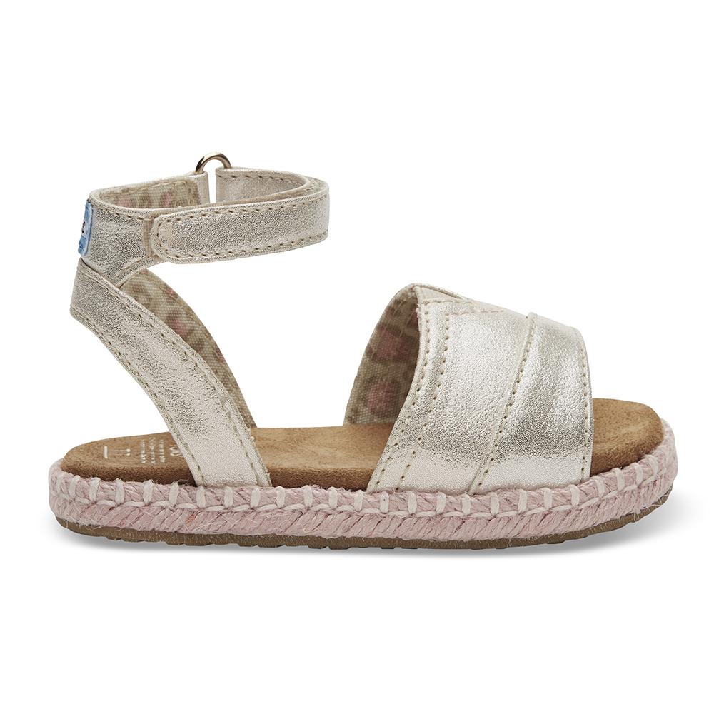 TOMS - Βρεφικά σανδάλια TOMS PALE GOLD SHIMMER χρυσά παιδικά baby παπούτσια πέδιλα σανδάλια