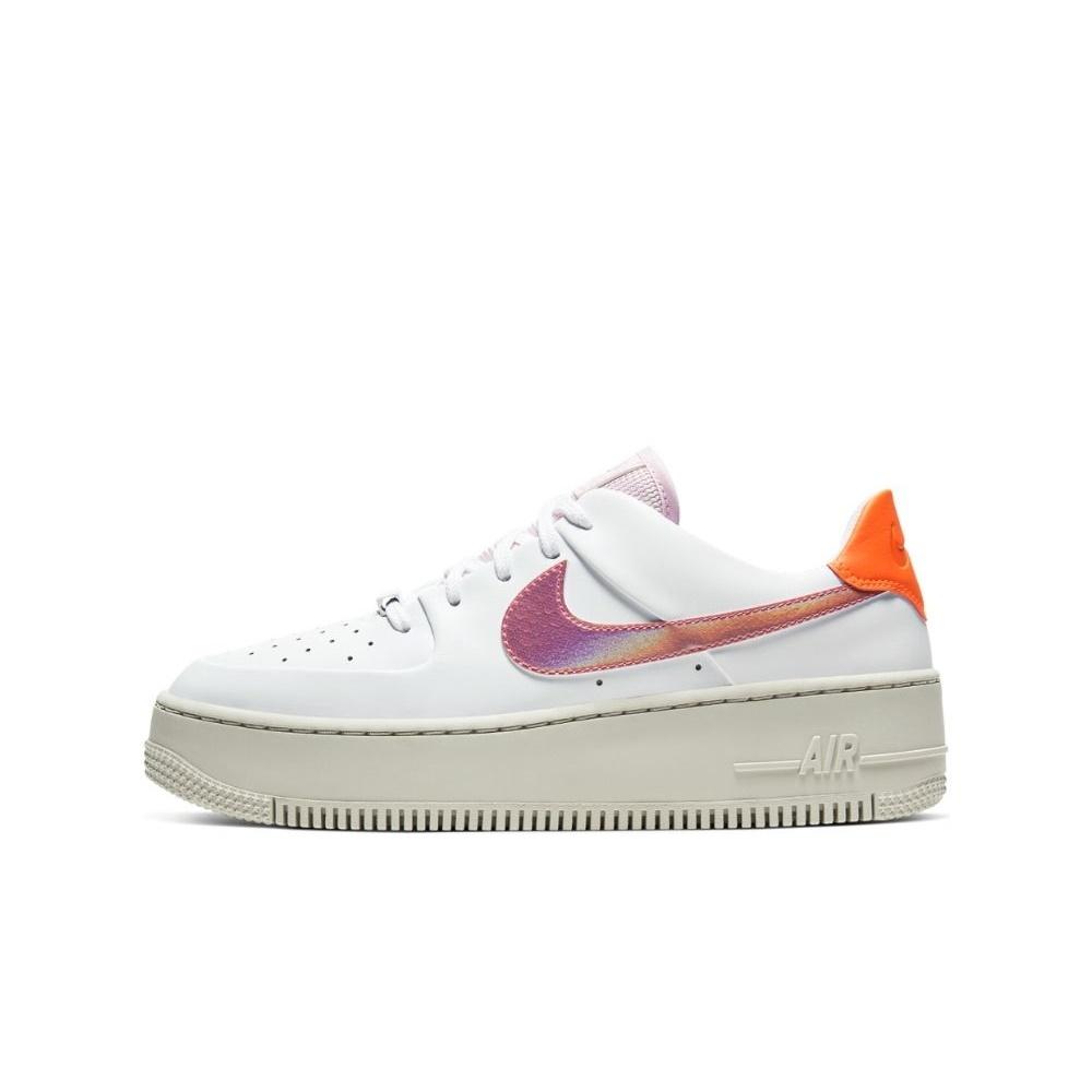 NIKE – Γυναικεία παπούτσια NIKE AF1 SAGE LOW λευκά